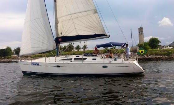 Sail in Style on a Cruising Monohull Charter in Rio de Janeiro