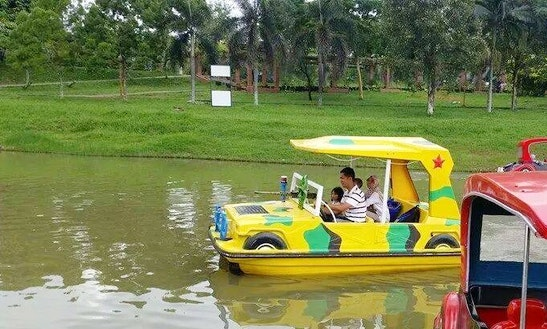 Rent An Electric Boat In Melaka, Malaysia