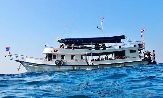 Seal Diving Boat In Tambon Ko Lanta Noi Chang Wat Krabi