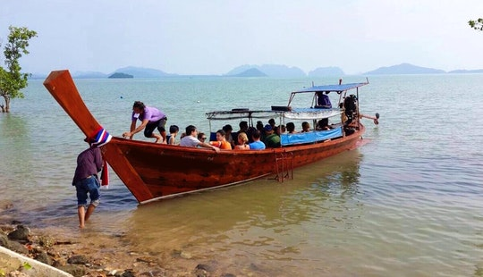 Charter On Sightseeing Boat From Tambon Ko Lanta Noi