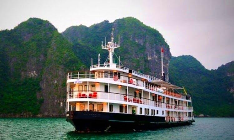 Emeraude Junk Cruise