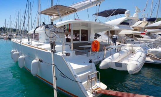 Sailing Charter On 40' Lagoon 400 S2