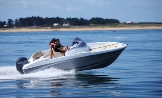 Rent Beneteau Flyer 6.6 Spacedeck  Powerboat In Cambrils, Catalunya
