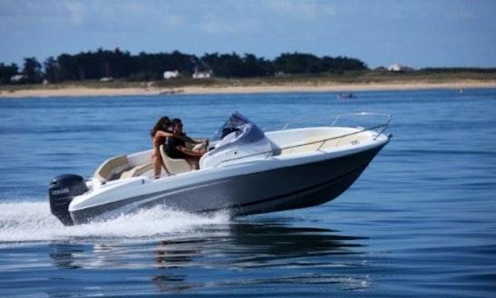 Rent Beneteau Flyer 6.6 Spacedeck  Powerboat In Cambrils, Catalunya