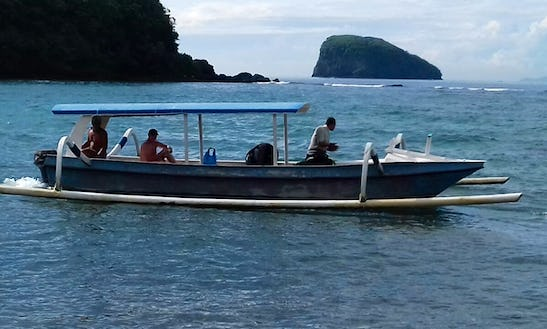 Cruise And Explore On A Traditional Boat Charter In Manggis, Bali