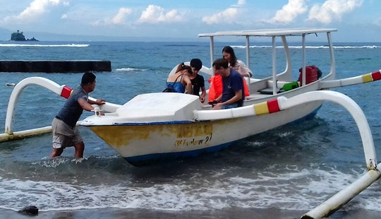 Relax In Style On A Traditional Boat Charter In Manggis, Bali