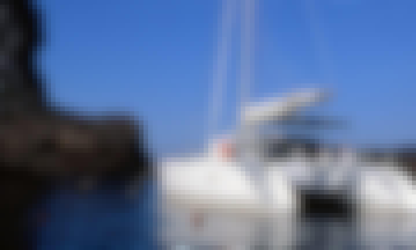 40' Cruising Catamaran Charter in Firostefani