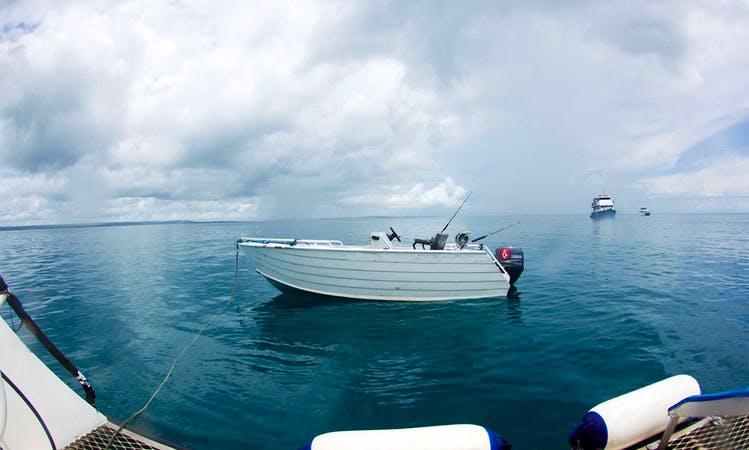 Motor Yacht Rental in Padang Barat