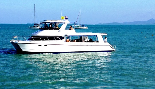 Explore The Amazing Dive Sites Of Koh Samui, Thailand On This Power Catamaran