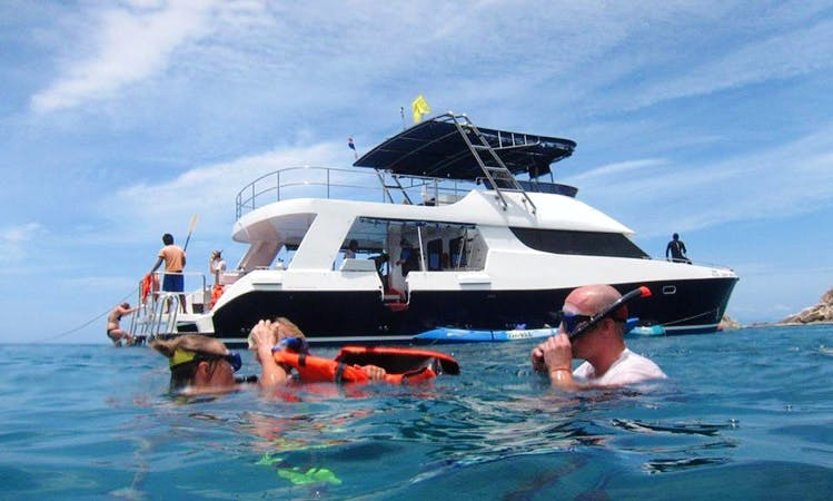 Exclusive Boat Diving and Snorkeling Trips for 12 People Around Koh Tao in Thailand!