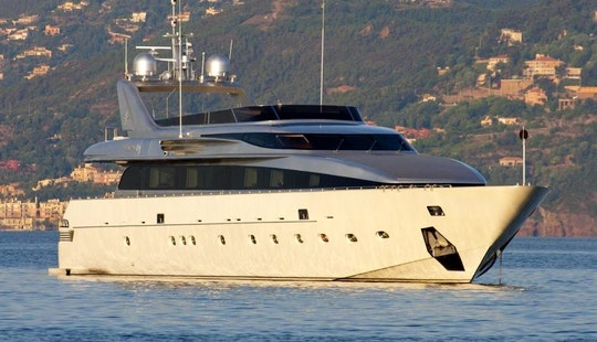 Mega Yacht Rental In Cannes