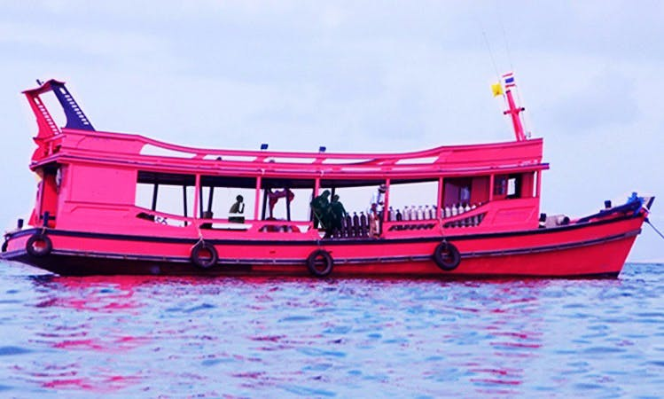 Dive boat (Vor.Nong Luck) Rental in Tambon Ko Tao