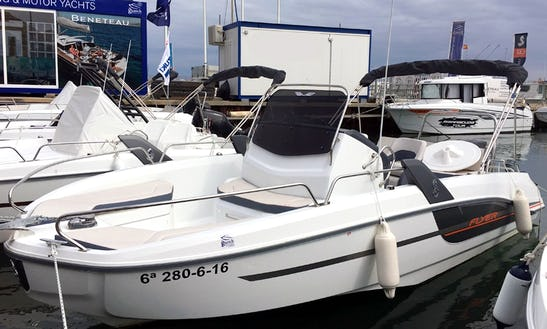 Rent The Brandnew Flyer 6.6 Spacedeck Powerboat In Cambrils, Catalunya