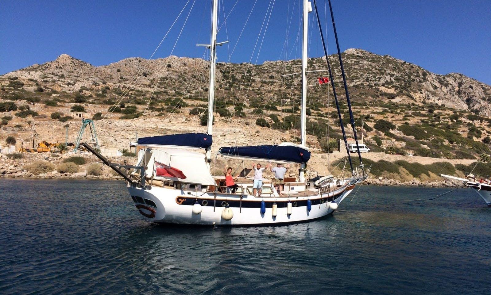 Ketch sleep aboard rental in Marmaris, Muğla Turkey