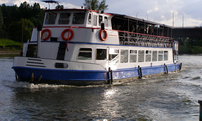 Boat Tour for 80 people in 's-Hertogenbosch, Netherlands