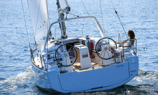 Beneteau Oceanis Clipper 35.1 New Model In Barcelona, Spain