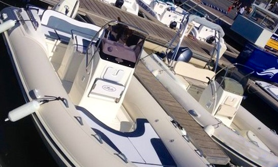 Center Console Rental In Agde Languedoc-roussillon, France