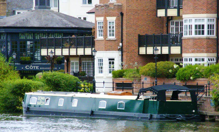 Unforgettable Family Cruise on a Canal Boat!
