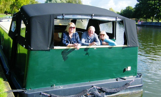 Explore Wallingford, England On This Beautiful Canal Boat