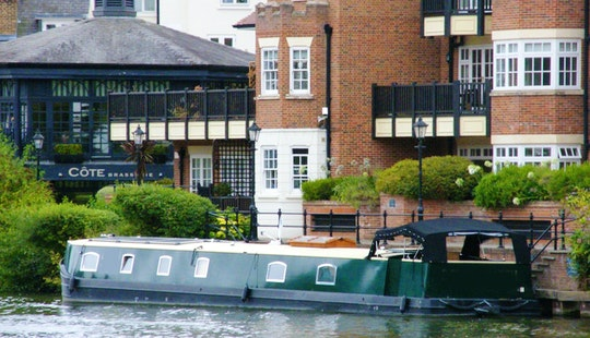 Hire A 72ft Wide Beam Canal Boat In East Molesey, England For 2 Person