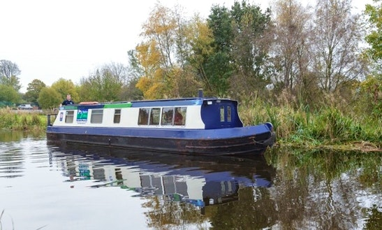 Portus Narrow Boat Cruiser  Charter  In Uk