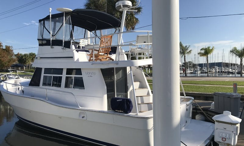 35' Main Ships Motor Yacht Rental In Seabrook, Texas with Captain