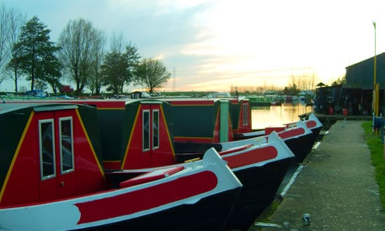 Hire This Leisurely Fox 45' Canal Boat In March, Uk