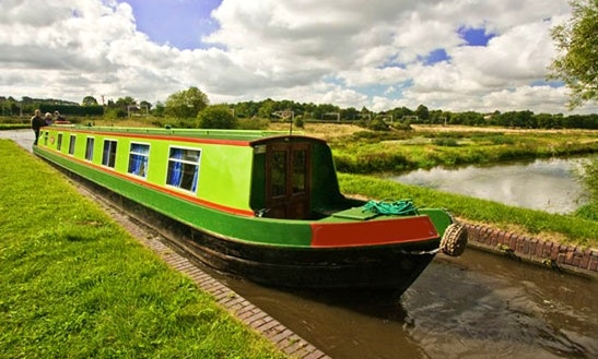Canal Boat Charters In United Kingdom