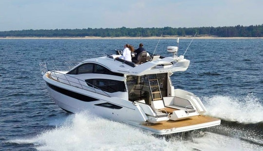 2016 Galeon 430 Skydeck Yacht Charter Out Of Chicago For 13 Guests