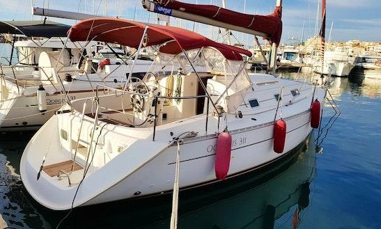 Oceanis Clipper 311 Sailboat Charter In Torroella De Montgrí, Catalunya