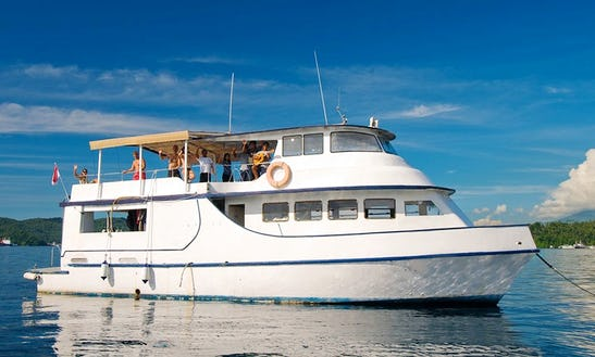 Blue Water Dive (passenger Boat)