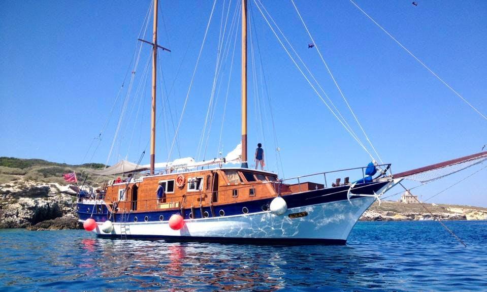 Charter 79' Gulet in Isole Tremiti, Italy