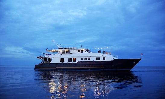 Mv Panunee Luxury Diving Yacht In Tambon Ko Kaeo