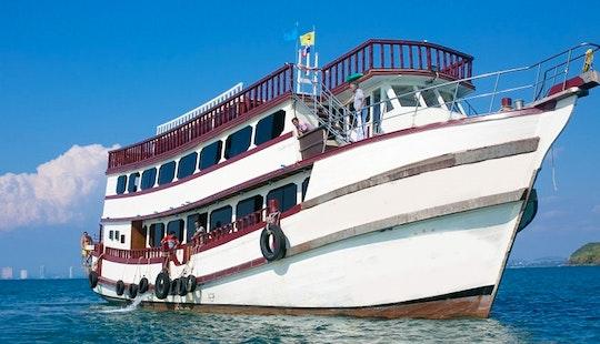 Enjoy Pattaya Islands Trip, Thailand On Passenger Boat