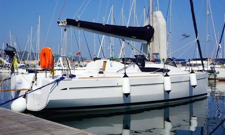 Elan Performance 310 Yacht Charter in Alimos
