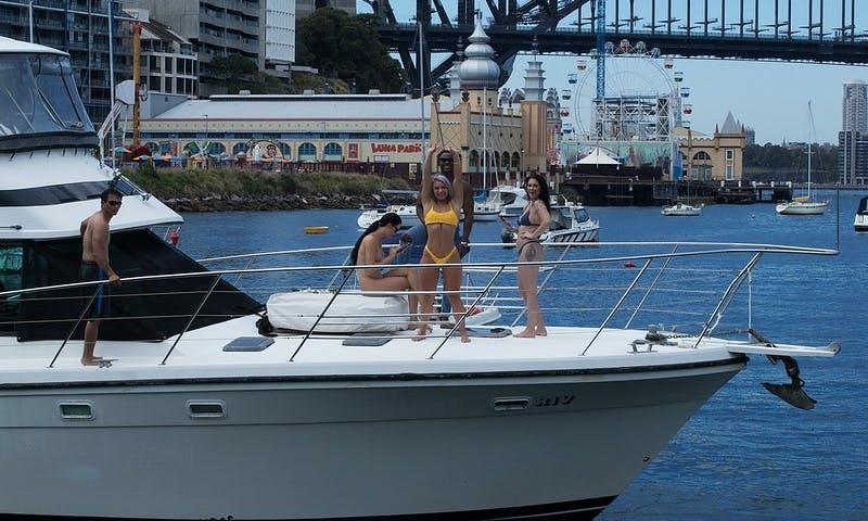 Motor Yacht Rental in Sydney