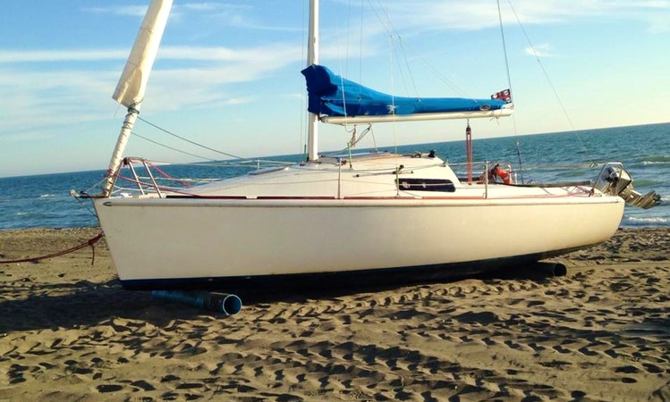 22' Daysailer Charter in Fregene, Italy available for