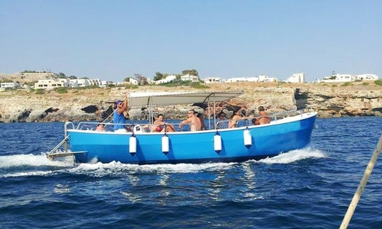 Rent A 12 People Powerboat In Castrignano Del Capo
