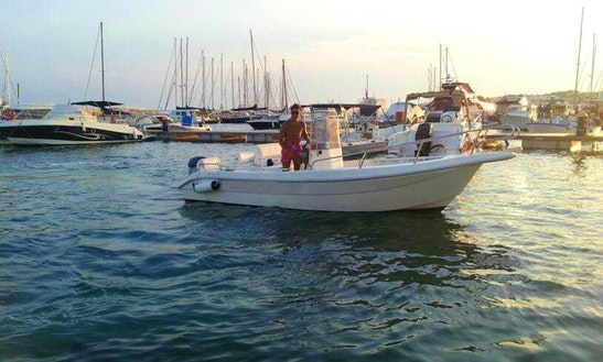 18' Power Boat Rental In Castrignano Del Capo