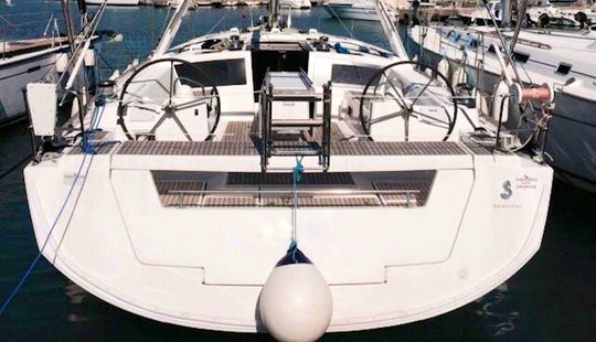 Sailing Yacht Charter Oceanis 48