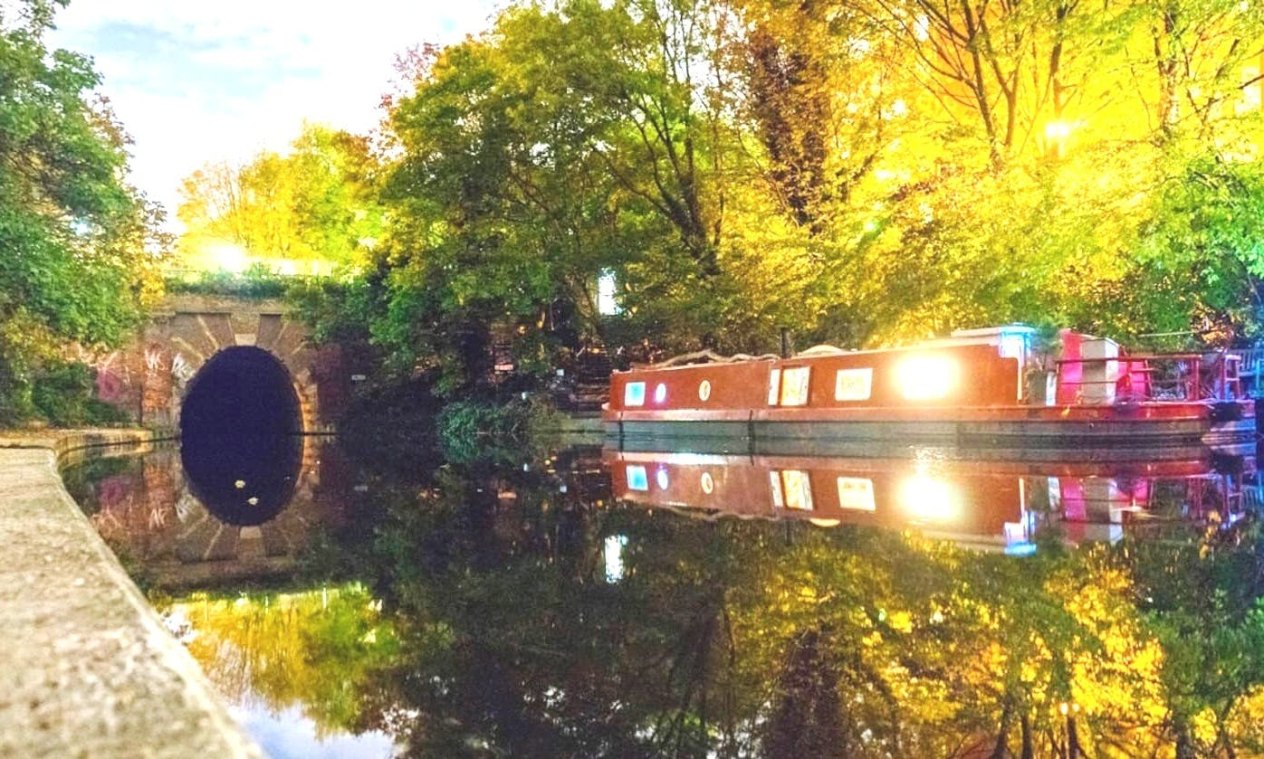 London's Hidden Waterway - A Day in the Life of Regent's Canal
