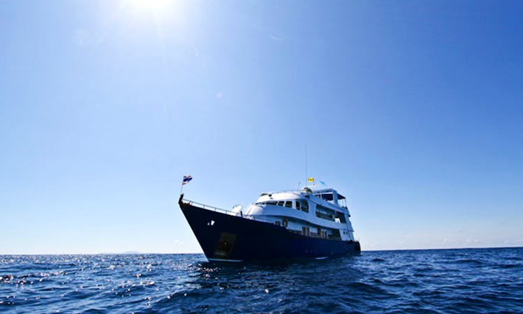 Thailand Diving Charter Manta Queen 3 for 4 nights