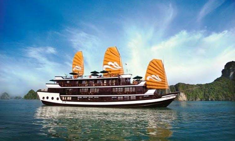 Junk Luxury Cruises In Hanoi