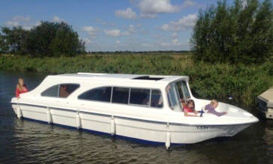 12 Seater Canal Boat Rental In England, United Kingdom