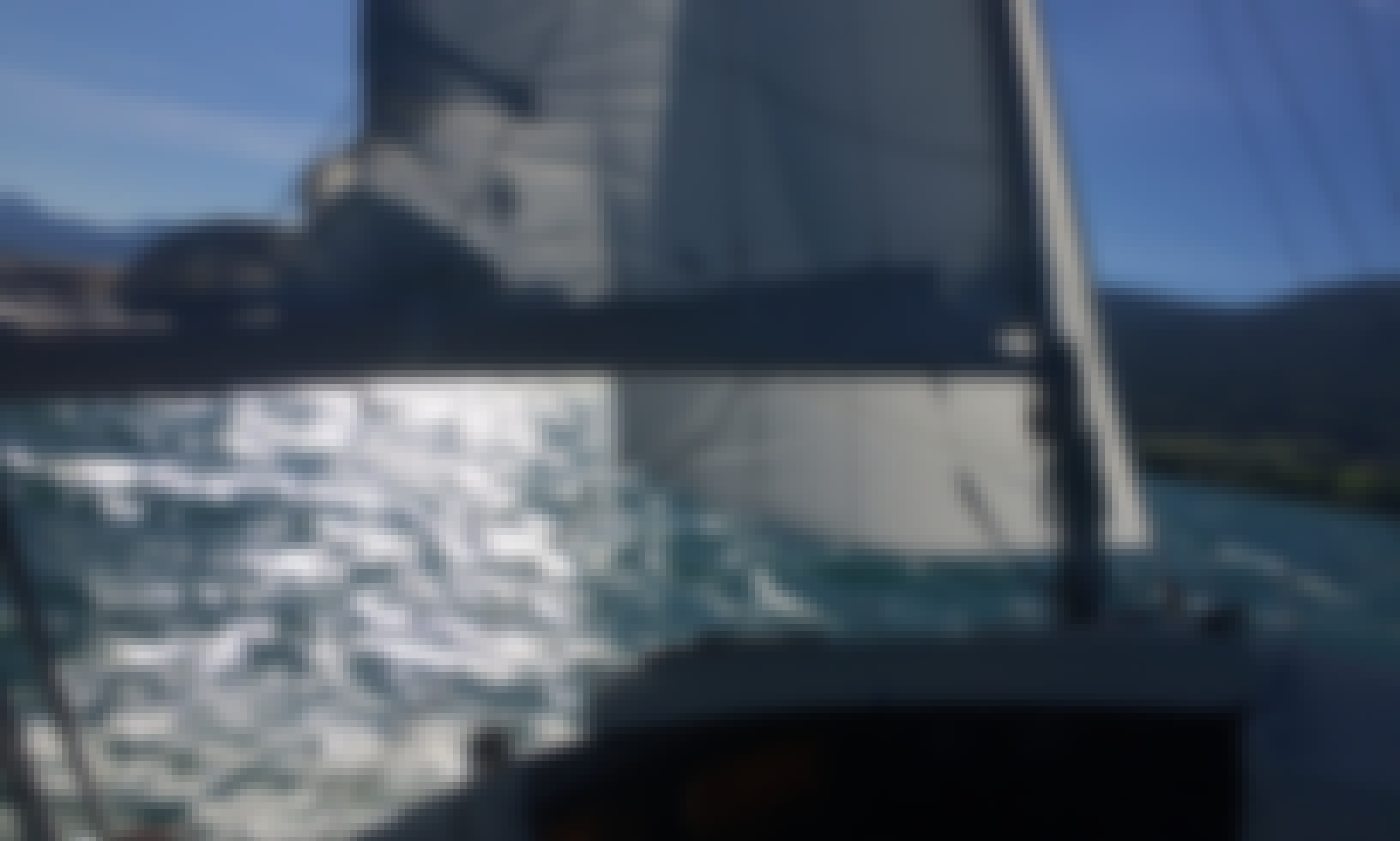 Daysailer for 4 People in Cheyres, Switzerland