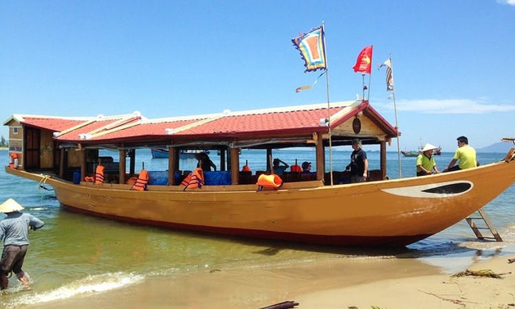 Charter a Traditional Boat and Cruise in Đa Phúc, Vietnam