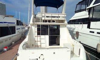 "27' Motor Yacht ""Asara"" Charter in Muang Pattaya, Thailand"
