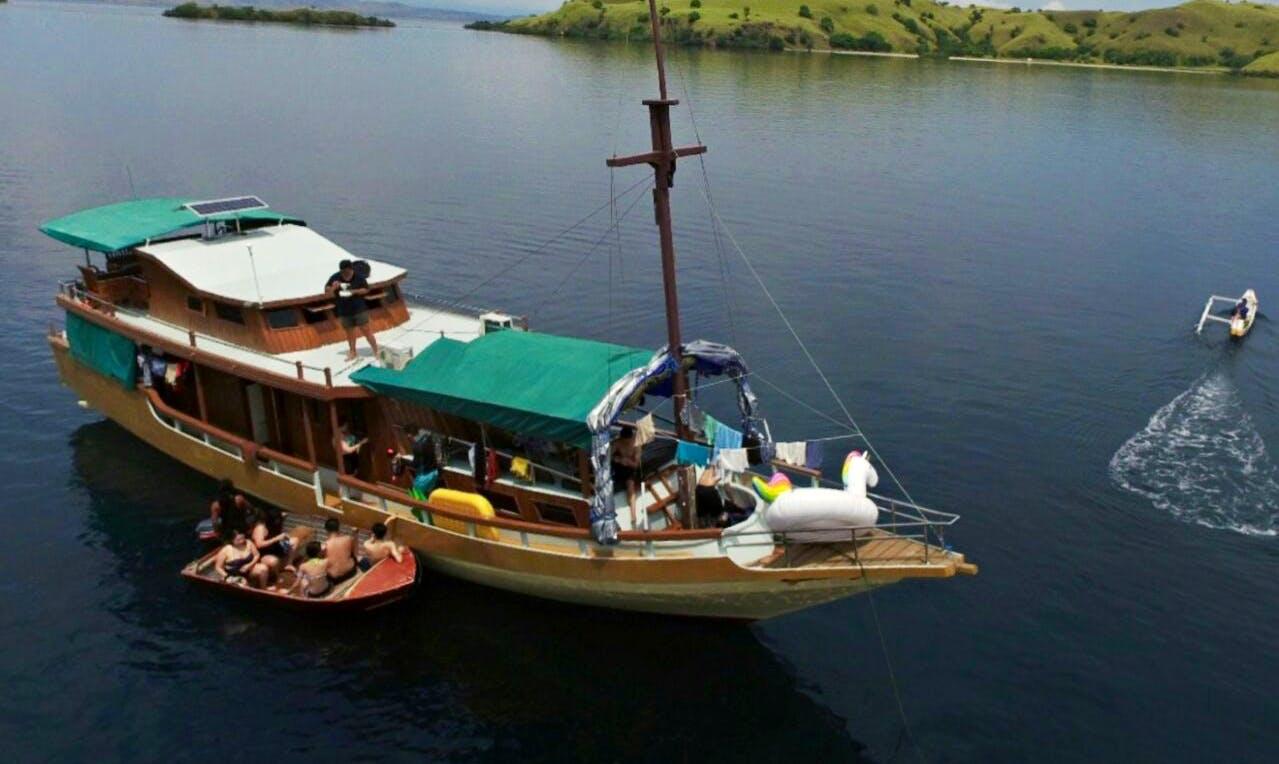 Charter a Gulet With Experienced Skipper In Nusa Tenggara Timur, Indonesia