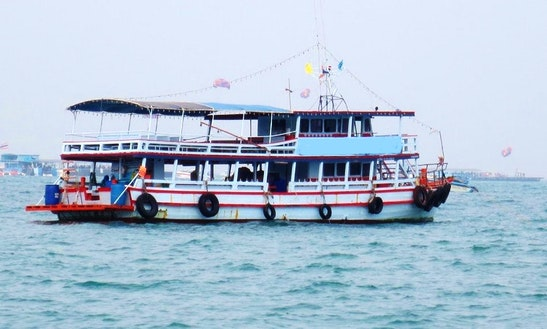Diving Boat Charters In Muang Pattaya, Chang Wat Chon Buri, Thailand