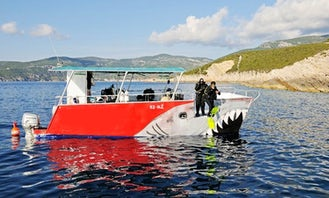 Shark Catamaran Diving Trips & Courses in Komiža